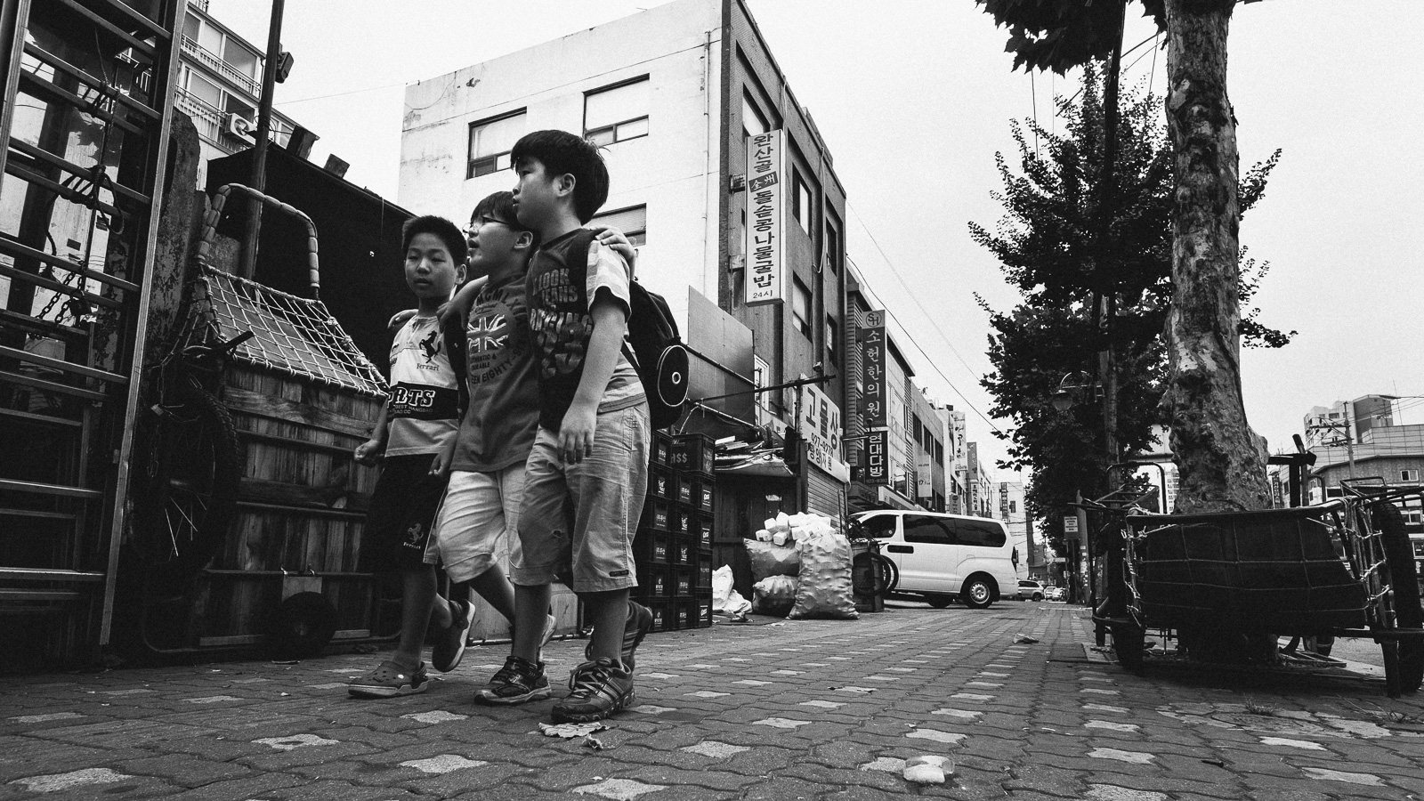 dylan-goldby-seoul-dongdaemun-11