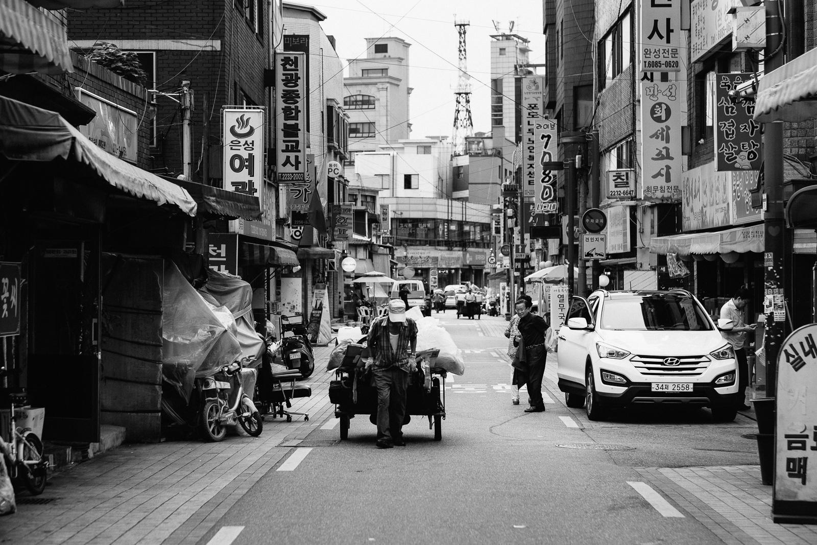dylan-goldby-seoul-jung-gu-35